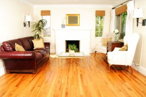 """3 Common Mistakes Homeowners Make when Trying to """"DIY"""" Their Hardwood Refinishing"""